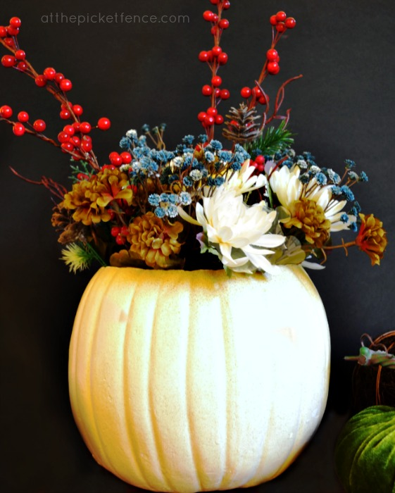 An Easy Thanksgiving Centerpiece Idea