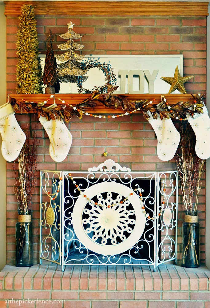 Christmas 2012 Mantel At The Picket Fence