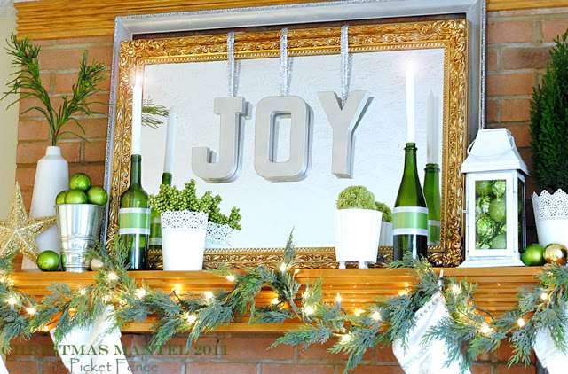 Heather's Mantel~ Christmas Blogger Block Party 2011