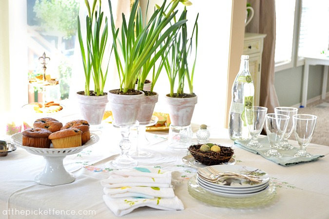 Easter Tablescape At the Picket Fence