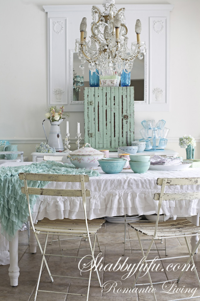 Aqua Accents for Spring in the Dining Room from Shabbyfufu