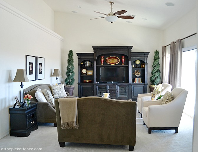 Arizona home tour Family Room from www.atthepicketfence.com