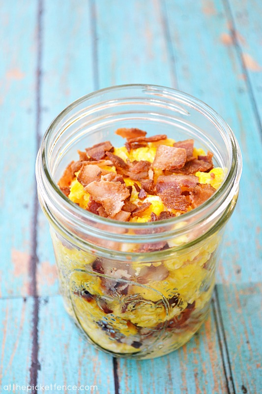 mason-jar-breakfast-to-go www.atthepicketfence.com
