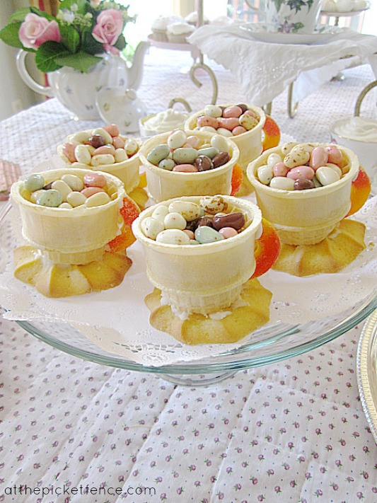 edible_teacup_party_favors www.atthepicketfence.com