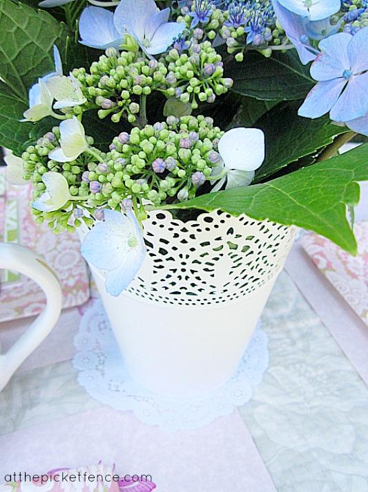 hydrangea floral arrangement www.atthepicketfence.com