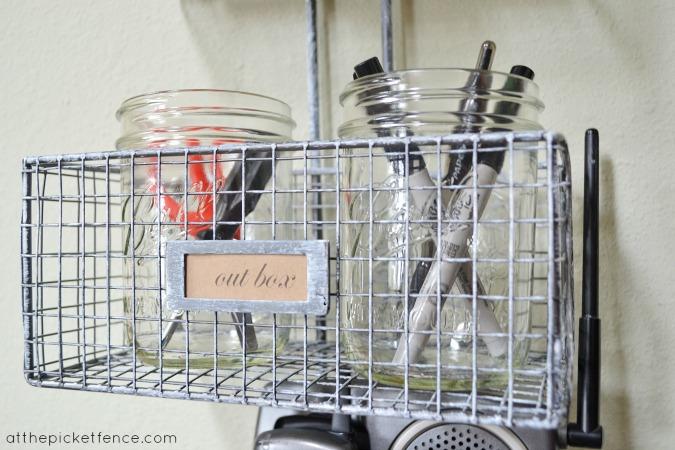 mason_jar_organization www.atthepicketfence.com