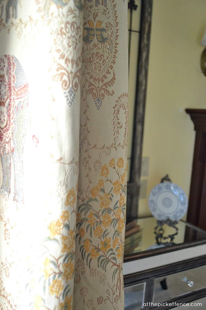 tapestry-living-room-drapes www.atthepicketfence.com