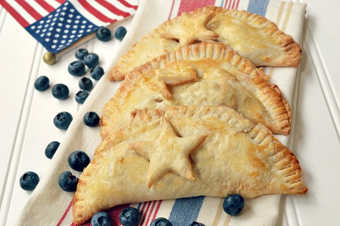 patriotic hand pies from atthepicketfence.com