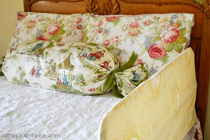 toddler-bed-guardrail-slipcover atthepicketfence.com