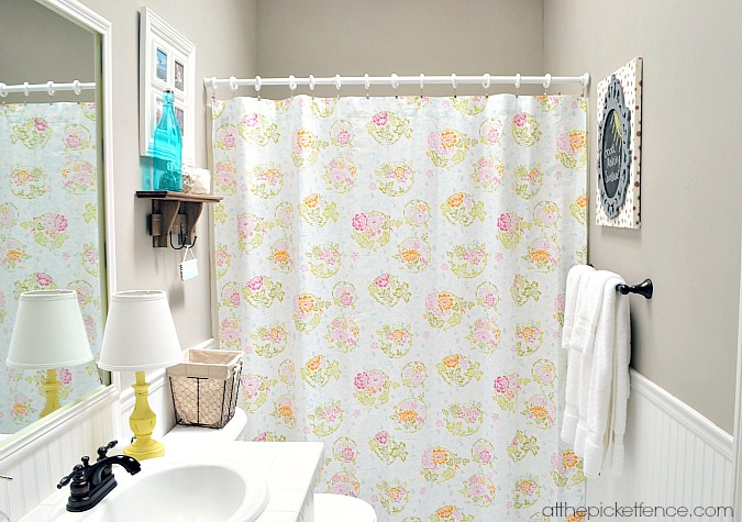 bathroom_makeover_on_a_budget atthepicketfence.com