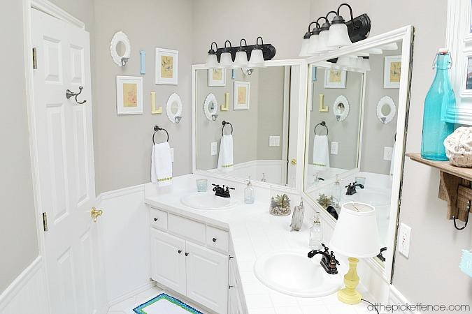 vintage-beach-inspired kids bathroom makeover atthepicketfence.com