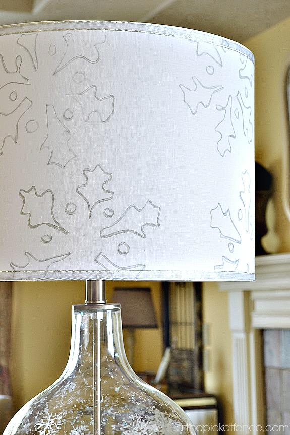 stenciled-snowflake-lamp-shade