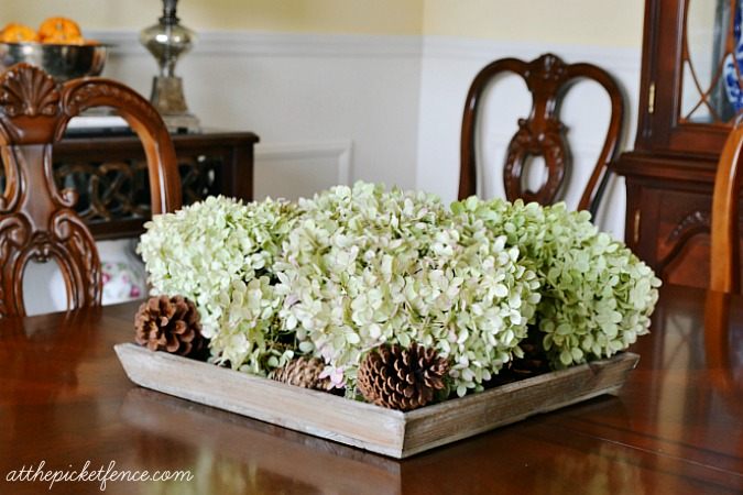 hydrangea-dining-room-centerpiece atthepicketfence.com