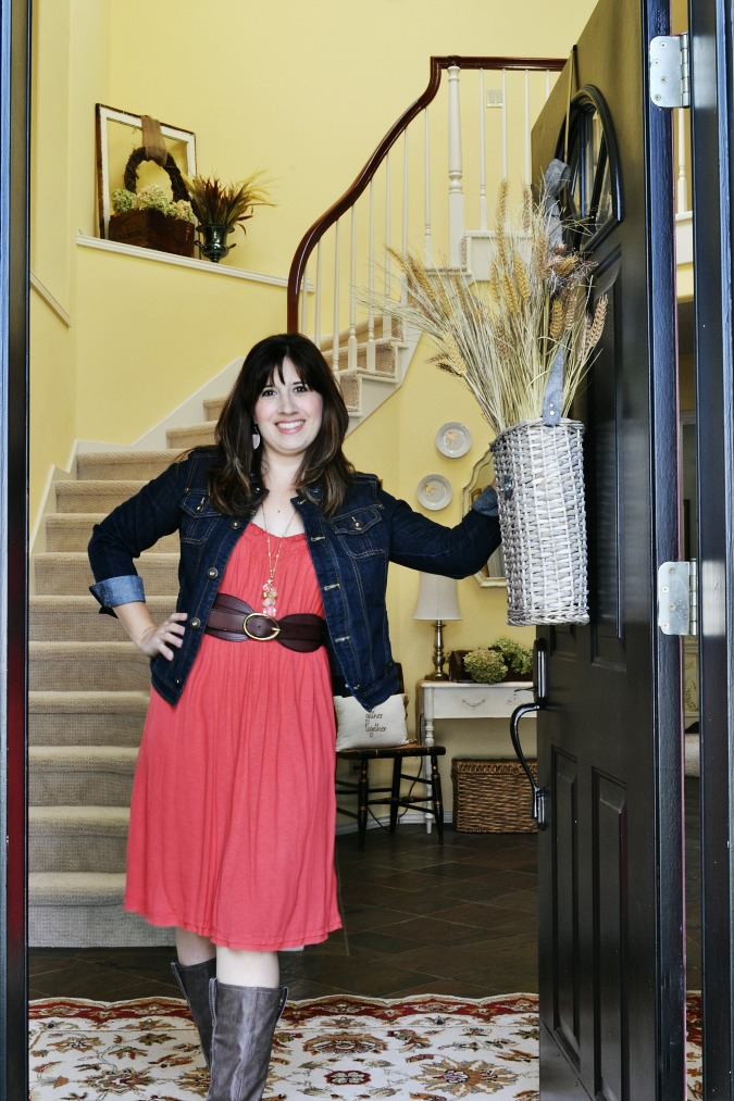 Welcome to Vanessa's fall home tour from atthepicketfence.com