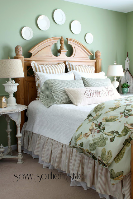 At the picket fence parade of homes savvy southern style for Garden guest room