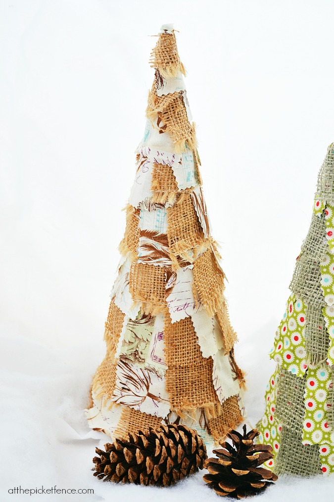 burlap scrap Christmas tree atthepicketfence.com