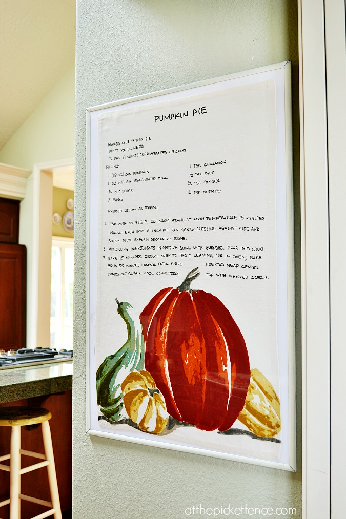 framed pumpkin pie recipe wall art from atthepicketfence.com