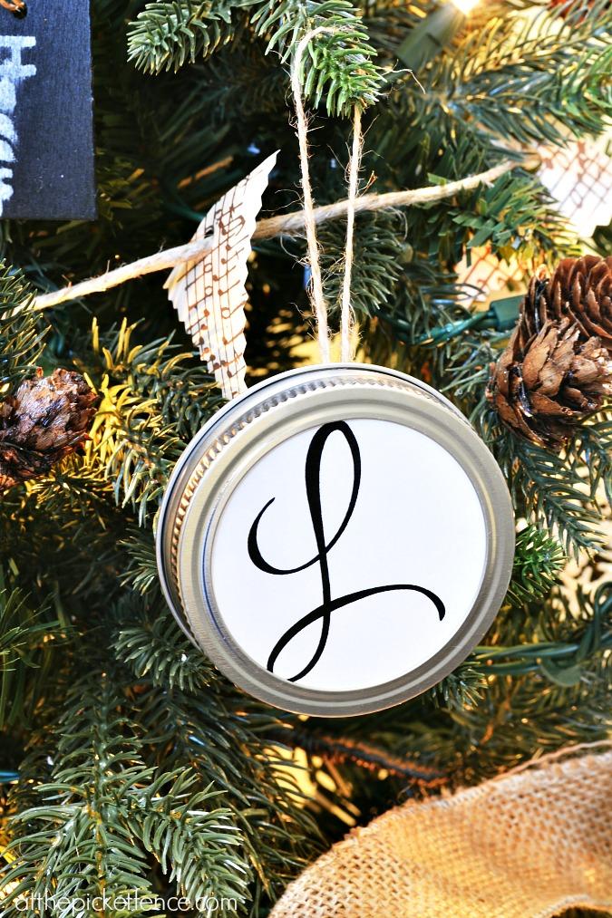 monogram mason jar lid ornament from atthepicketfence.com