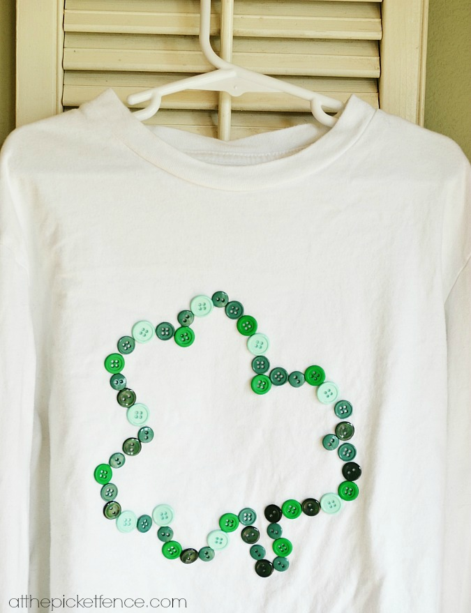 Button Applique Shamrock t-shirt from atthepicketfence.com