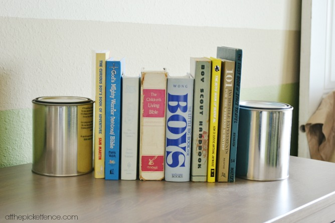 paint cans as book ends atthepicketfence.com