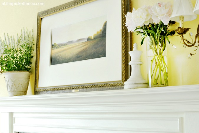 summer mantel decor atthepicketfence.com