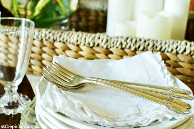 vintage linens and silverware atthepicketfence.com