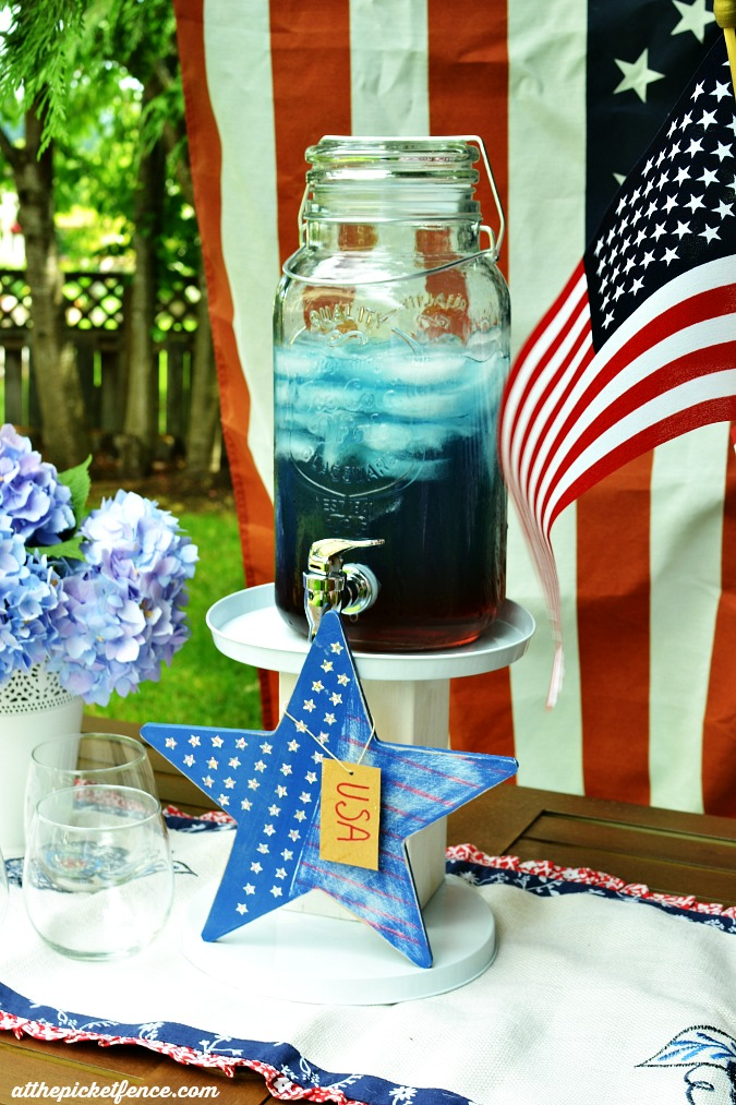 DIY Patriotic Beverage Stand