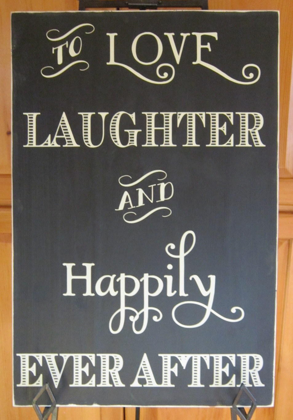 To love laughter