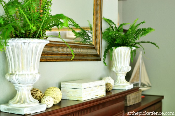 simple summer mantel decorating atthepicketfence.com