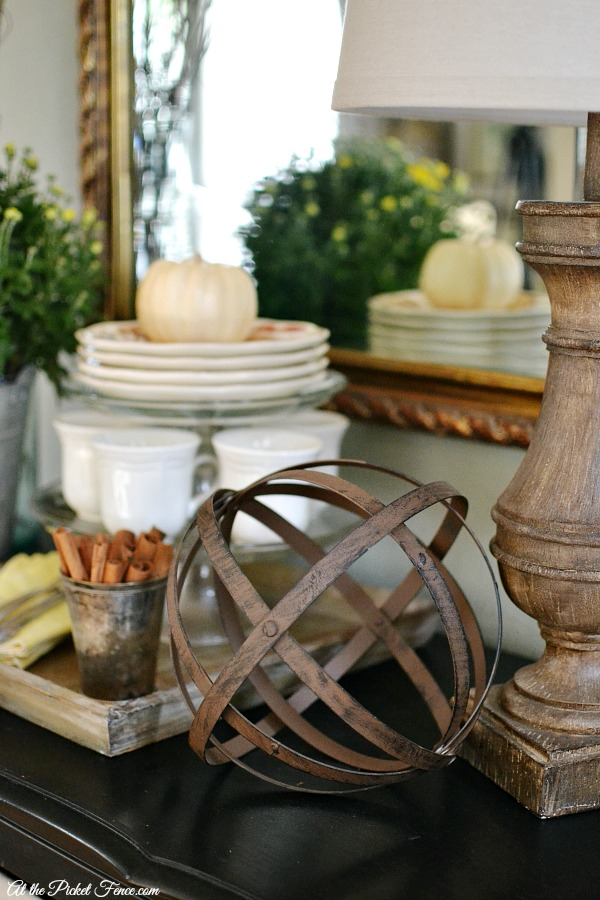 simple fall decorating from atthepicketfence.com