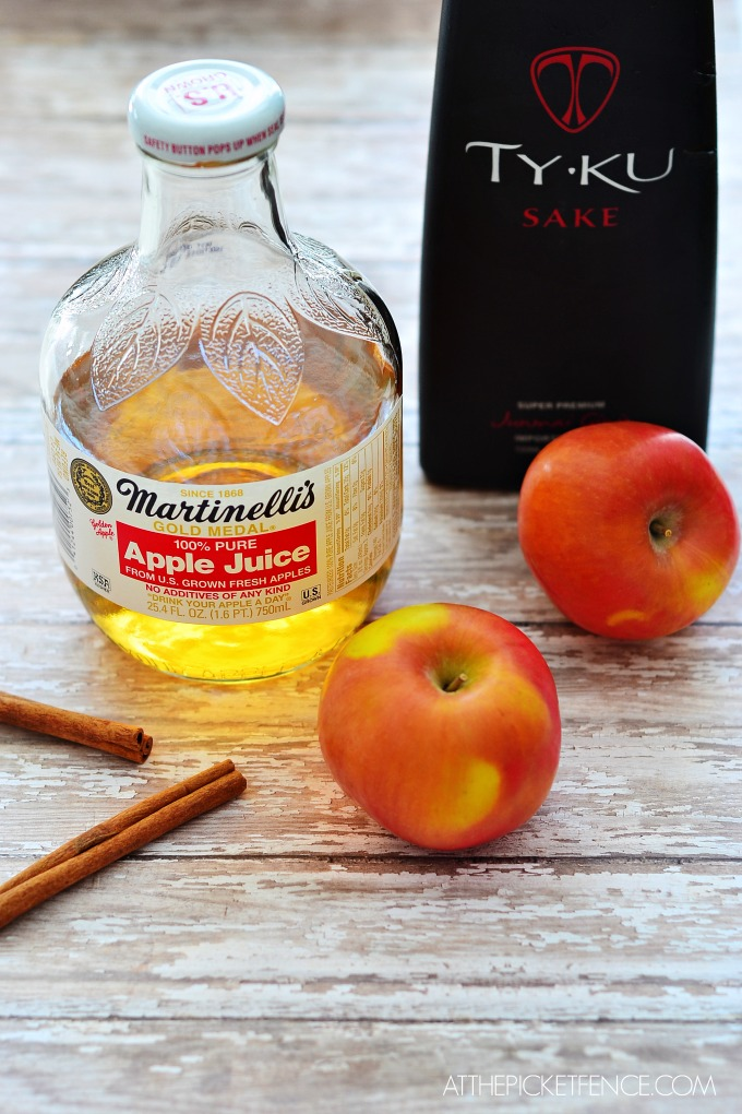 Ingredients for hot apple pie cocktail