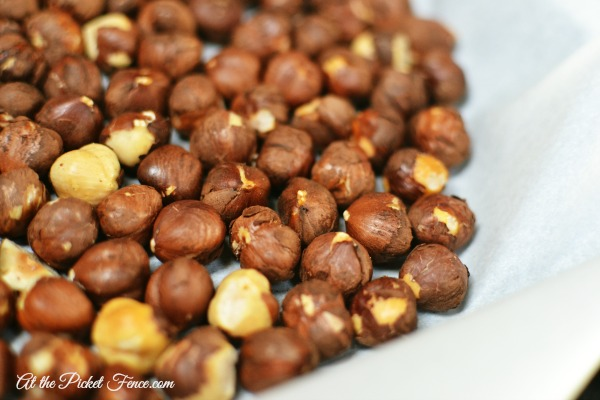 roasting hazelnuts atthepicketfence.com