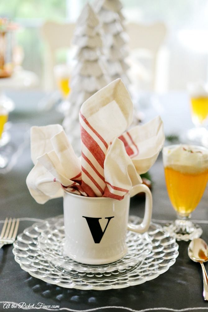 Christmas breakfast or brunch table setting atthepicketfence.com