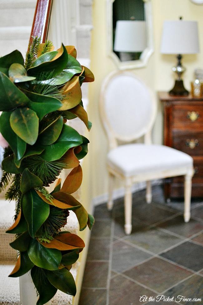 magnolia leaf teardrop swag atthepicketfence.com