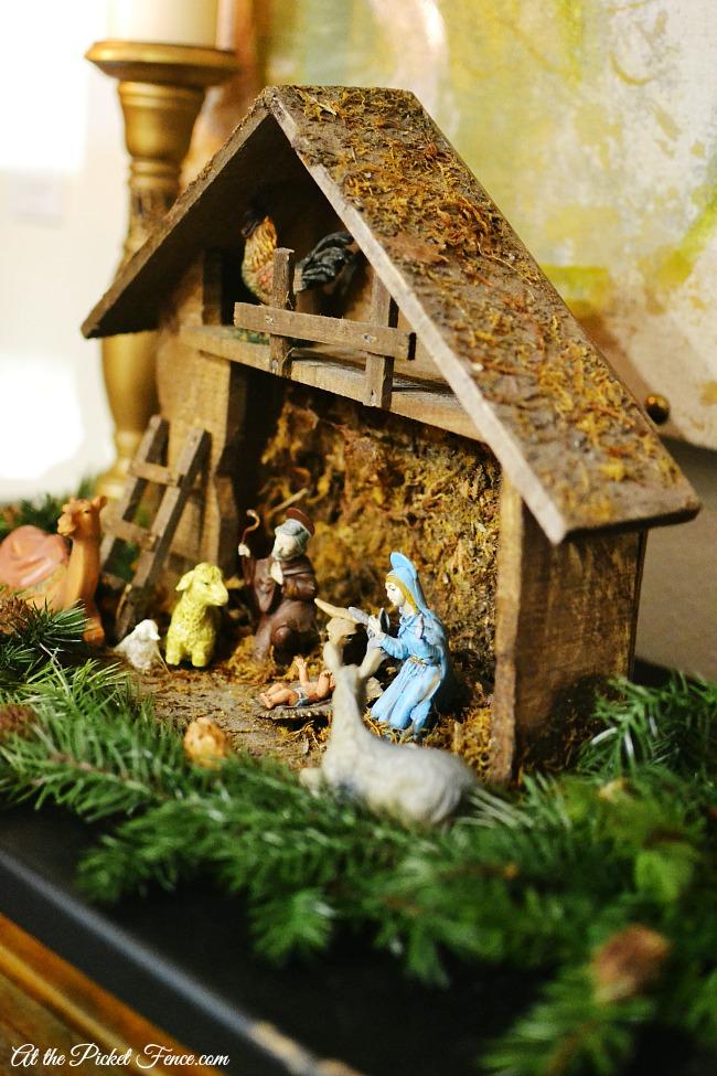 vintage nativity scene atthepicketfence.com