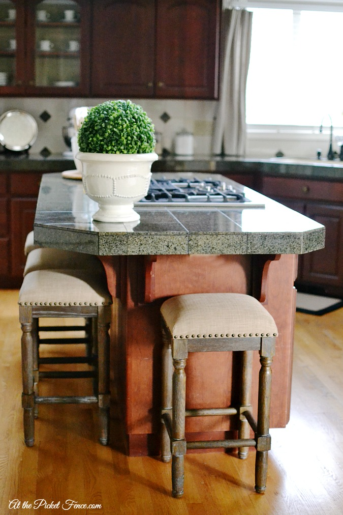 french country style counter stools atthepicketfence.com