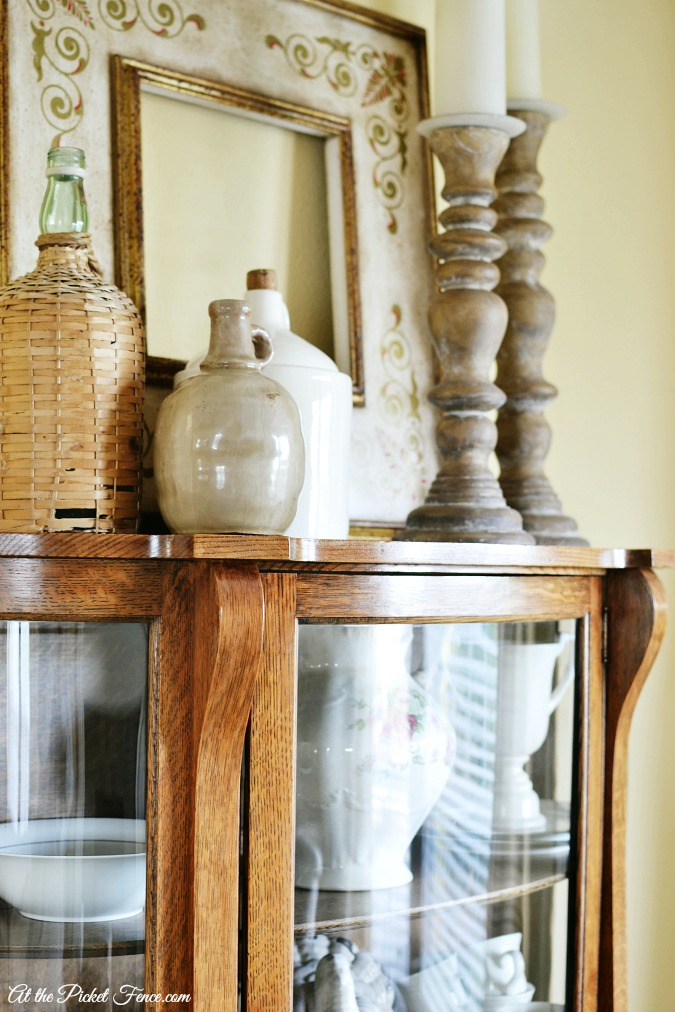 top of cabinet vignette atthepicketfence.com