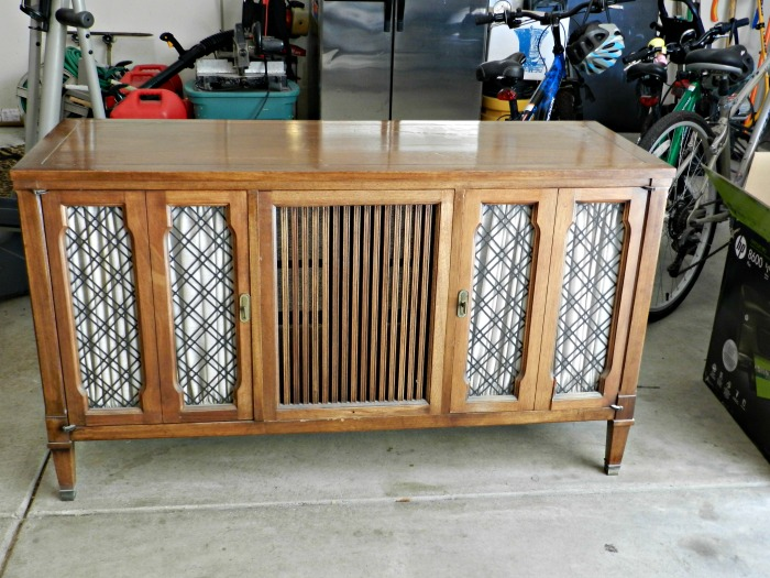 Stereo Console Makeover