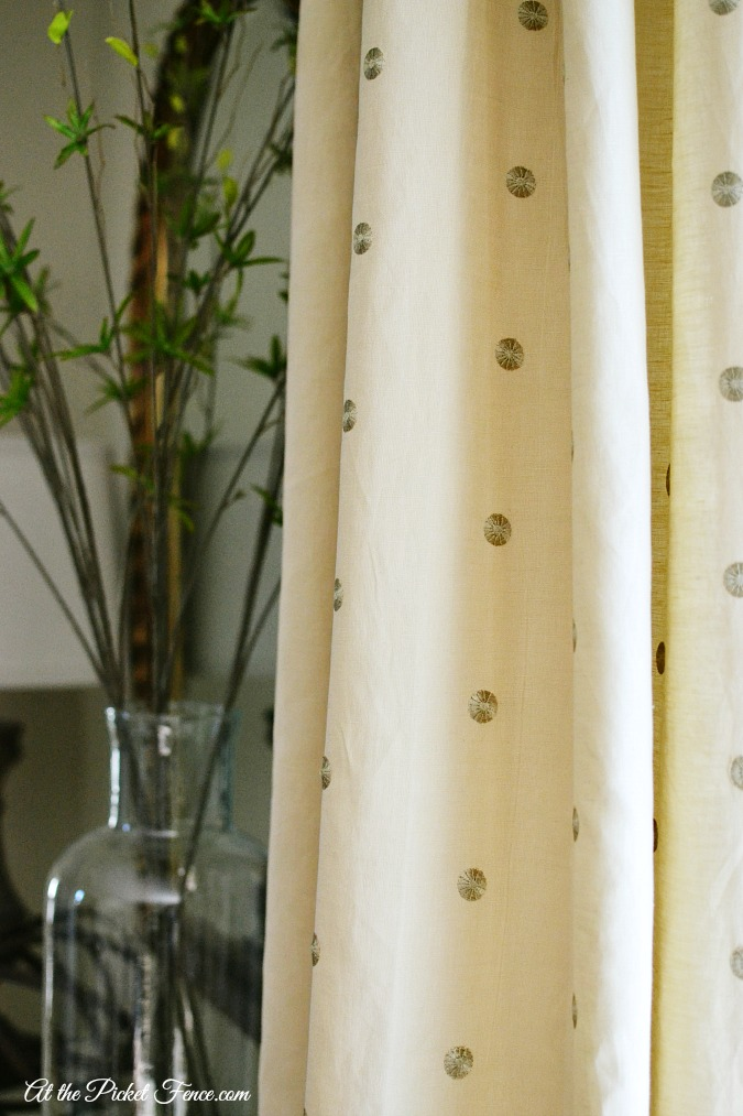 polka dot drapes atthepicketfence.com