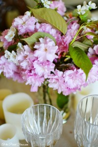 cherry blossom centerpiece atthepicketfence.com