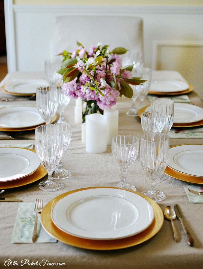 simple easter tablescape atthepicketfence.com