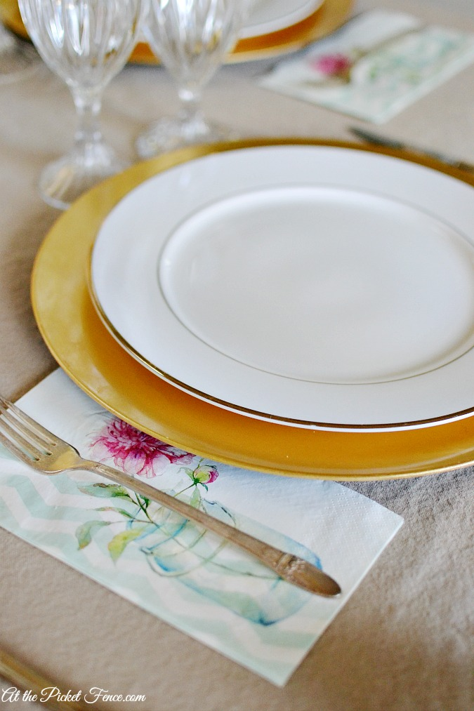 spring place setting with paper napkins
