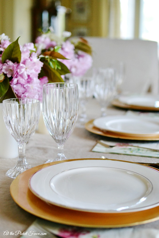 spring table setting atthepicketfence.com