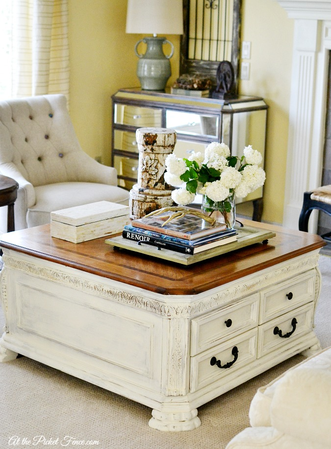 Chalky Finish Painted Coffee Table Makeover Atthepicketfence