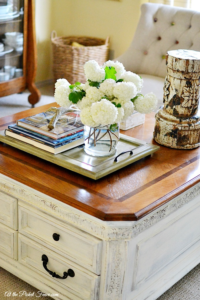 Chalky finish coffee table makeover at the picket fence for Decor for coffee table