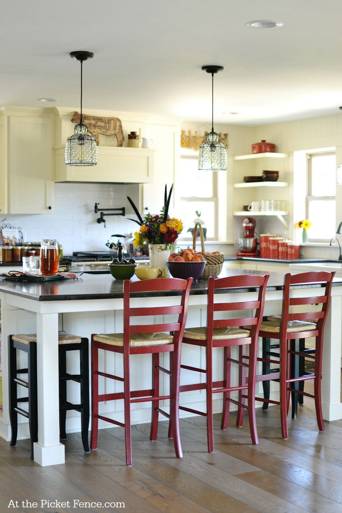 Farmhouse kitchen makeover reveal at the picket fence for Farmhouse cottage style