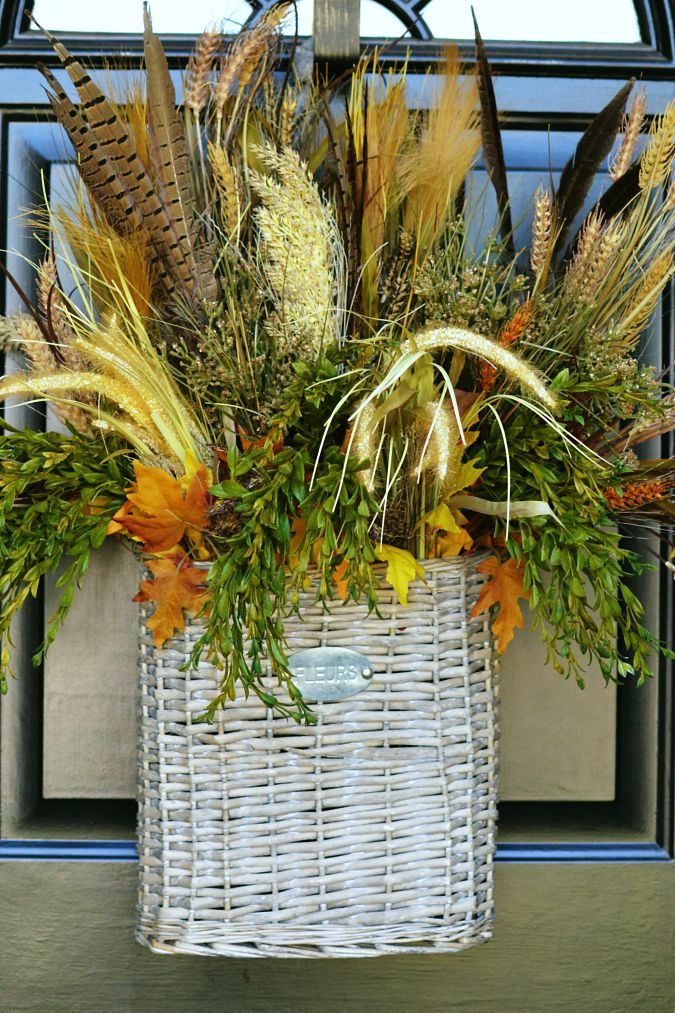 fall front door decor that isn't a wreath atthepicketfence.com