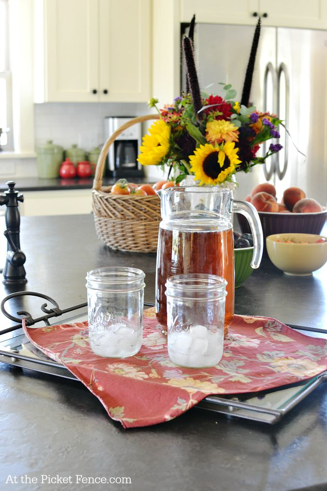 farmhouse kitchen island summer decor atthepicketfence.com