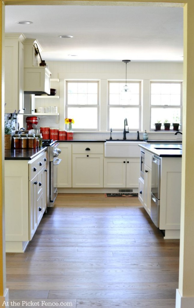 farmhouse kitchen remodel atthepicketfence.com