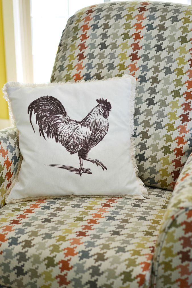 rooster pillow atthepicketfence.com